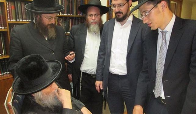 הסרבן החרדי ביקר בבתי הרבנים