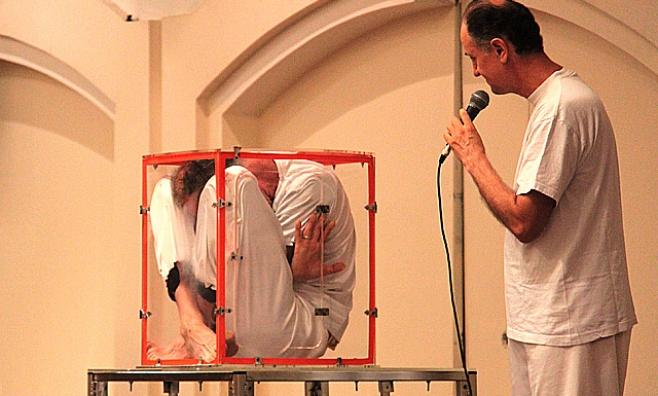 גלריה: חרדים נופשים בבית מלון