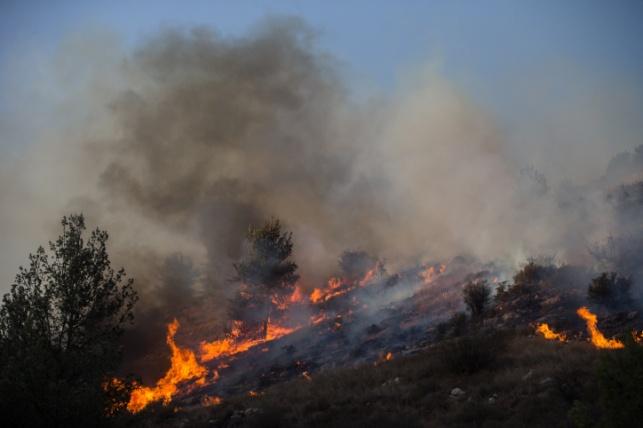 מכירים משפחה שביתה נשרף וצריכה עזרה? אילוסטרציה