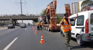 שוב הגשר לגבעת שמואל נפגע ממשאית