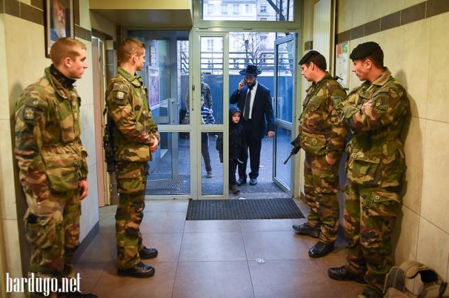 פריז: אבטחה כבדה במוסדות יהודים