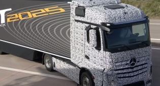 העתיד כאן: הוצגה משאית ללא נהג