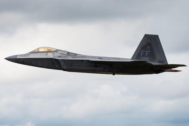 """מטוס F-22 - ארה""""ב ודרום קוריאה בתרגיל """"הגדול ביותר"""""""