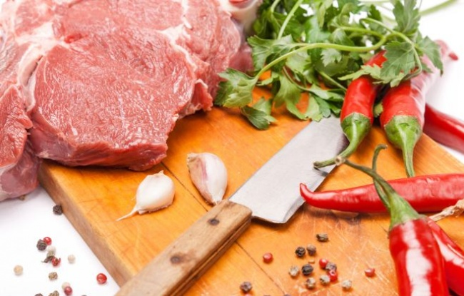 בקר - מתכון: חזה בקר בתנור לצד תפודים