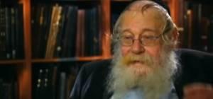 הרב שטיינזלץ: מדוע שינה את 'צורת הדף'?