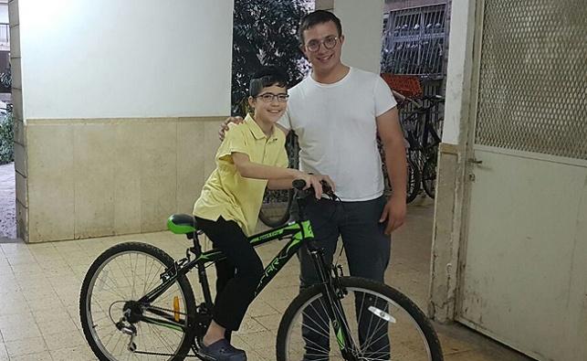 שלומי כהן, הילד המאושר והאופניים