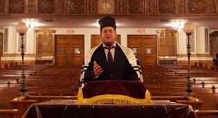 החזן אברהם פרידמן בקטע בכורה: 'עקביא'