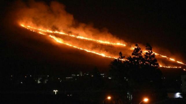 האש בצפון, בין נחף לסאג'ור