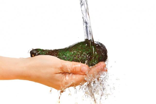 לא היה לנו מושג: יש לשטוף אבוקדו לפני השימוש