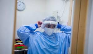 699 חולים  קשה; מקדם ההדבקה - 0.99