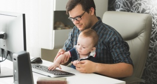 איך לעבוד מהבית כשילדים מתרוצצים בו
