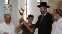 """גביע השבת הוענק ל""""אלוף הארץ באיגרוף"""""""