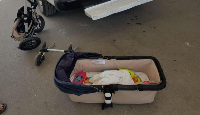 עגלת התינוק בזירת התאונה