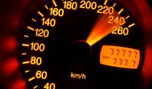 """מי הנהג שתועד נוסע ב-200 קמ""""ש?"""