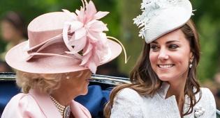 מלכה והדוכסית מקיימברידג'