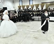 המונים השתתפו בשמחת בית מכנובקא וסאסוב