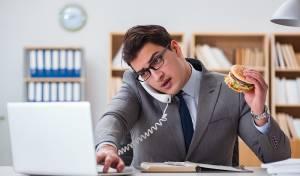סקר חדש מגלה: עובדים לא לוקחים הפסקת צהריים