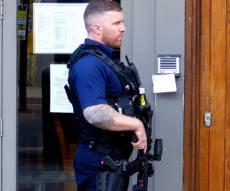 שוטרים ואנשי כוחות הביטחון נפרסו ברחובות - הפחד מטרור בלונדון: מאות חיילים ברחובות