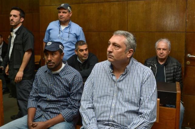 ניר חפץ בבית המשפט צילום: ירון ברנר