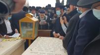 צפו: המונים באשכבה לזקן הראשונים לציון
