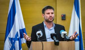 סמוטריץ' הבהיר: לא נשען על מנסור עבאס