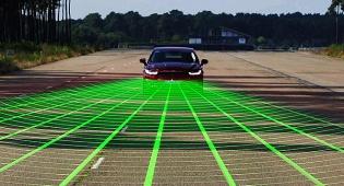 הרכב יבלום אוטומטית וימנע תאונות