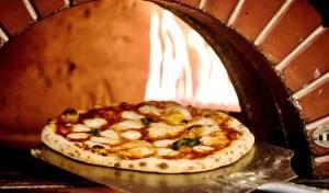 אז למה אנחנו עדיין אוכלים פיצה בגאולה?
