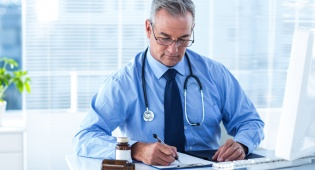 אילוסטרציה - גם משרד הבריאות מסכים: הרופאים מתנשאים