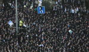 'אנוסים חרדים': היהדות מול הדת / טור דעה