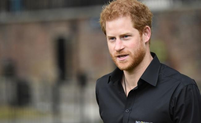 די לבושה: הנסיך הארי הודה שקיבל טיפול נפשי