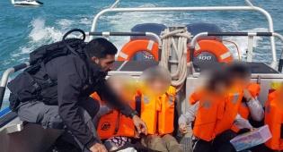 נס: 5 ילדים נתקעו עם הסירה בלב ים וחולצו