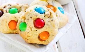 עוגיות צבעוניות עם עדשים מתוקים