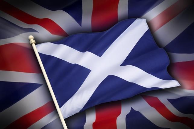 דגל סקוטלנד על דגל בריטניה