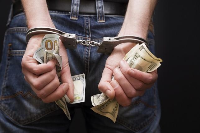 פרץ ל-17 בתי עסק וגנב קופות צדקה