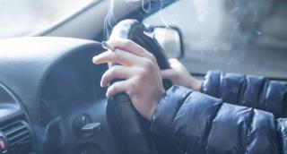 7 דרכים להיפטר מריח של עישון במכונית