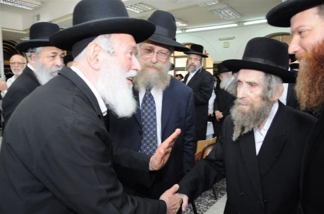 """הגאון רבי יצחק זילברשטיין עם מרן הגראי""""ל שטיינמן"""