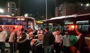 זירת התאונה - 11 פצועים בהתנגשות אוטובוסים בטבריה