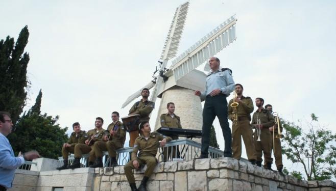 שי אברמסון ולהקת הרבנות הצבאית במחרוזת לירושלים