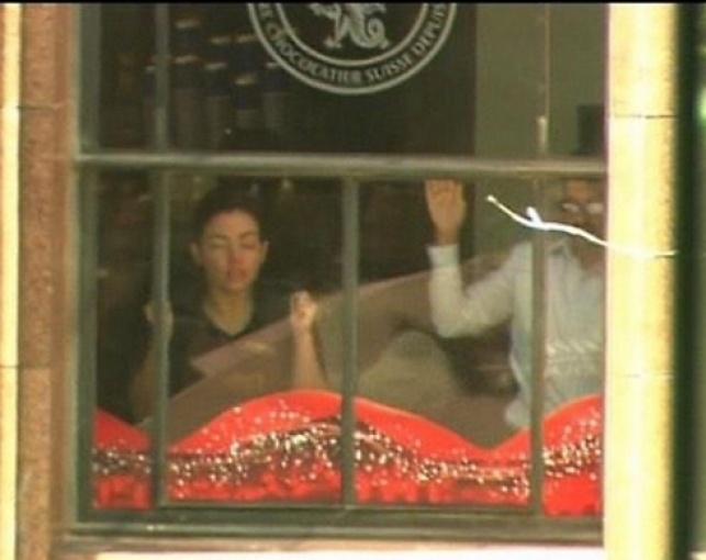סידני: מחבל מחזיק כ-15 בני ערובה
