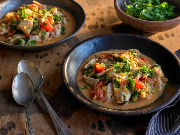 תבשיל עוף וירקות בסגנון אסייתי
