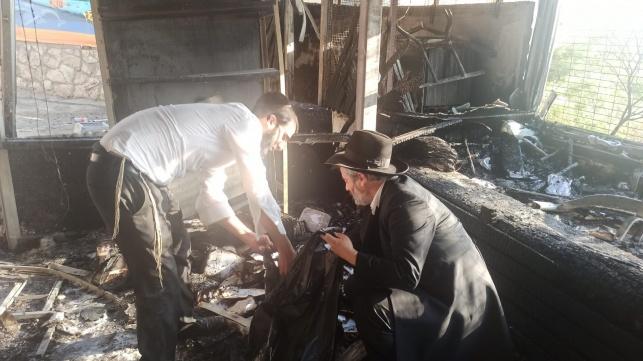 מתוצאות השריפה: בית כנסת נשרף לחלוטין