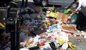 עובדי עירייה אתרו את שקית המזומנים בפח
