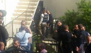 זירת ההתבצרות - תקף שוטרים וזוג קשישים והתבצר בביתם