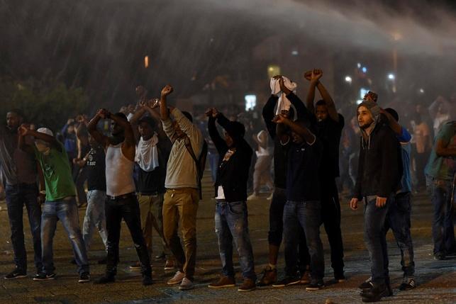 ההפגנה, אמש