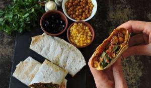 טאקו צמחוני - טורטייה במילוי זוקיני וגרגרי חומוס צלויים