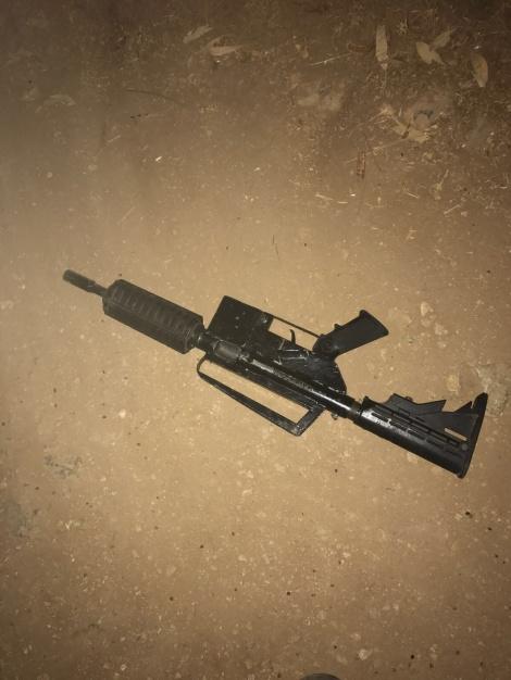 הנשק בו ירה המחבל - בעת ניסיון מעצר: המחבל פתח באש וחוסל