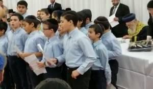 """בלעדי: ילדי מונטריאול מברכים על הראש""""ל"""