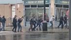 חמושים נמלטו משוטרים והתבצרו ב'מרכול כשר'; 5 נהרגו