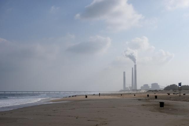 חוף זיקים, מעונן ועדיין חם