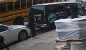 תקיפת אוטובוס הסעת ילדות חרדיות בקראון הייטס